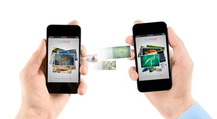 iCloudとはApple製品を買うと無料でついてくるオンラインストレージのことです。